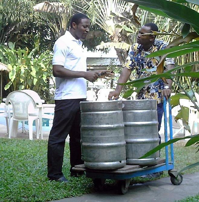 Hotel Foyer Du Marin Douala : Douala cameroon